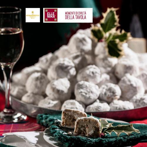 kourabiedes 1 - Kourabiedes - biscotti di Natale alle mandorle tipici Greci
