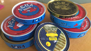 sardine di mitilene leva lattine